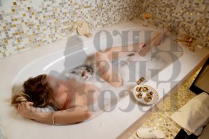 Oceana call girls & erotic massage