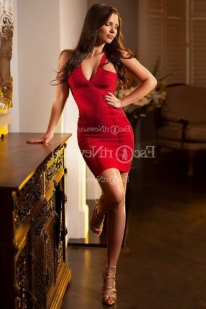 Rubina nuru massage and escorts