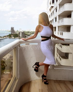 Ainhoa massage parlor in Rialto, escorts